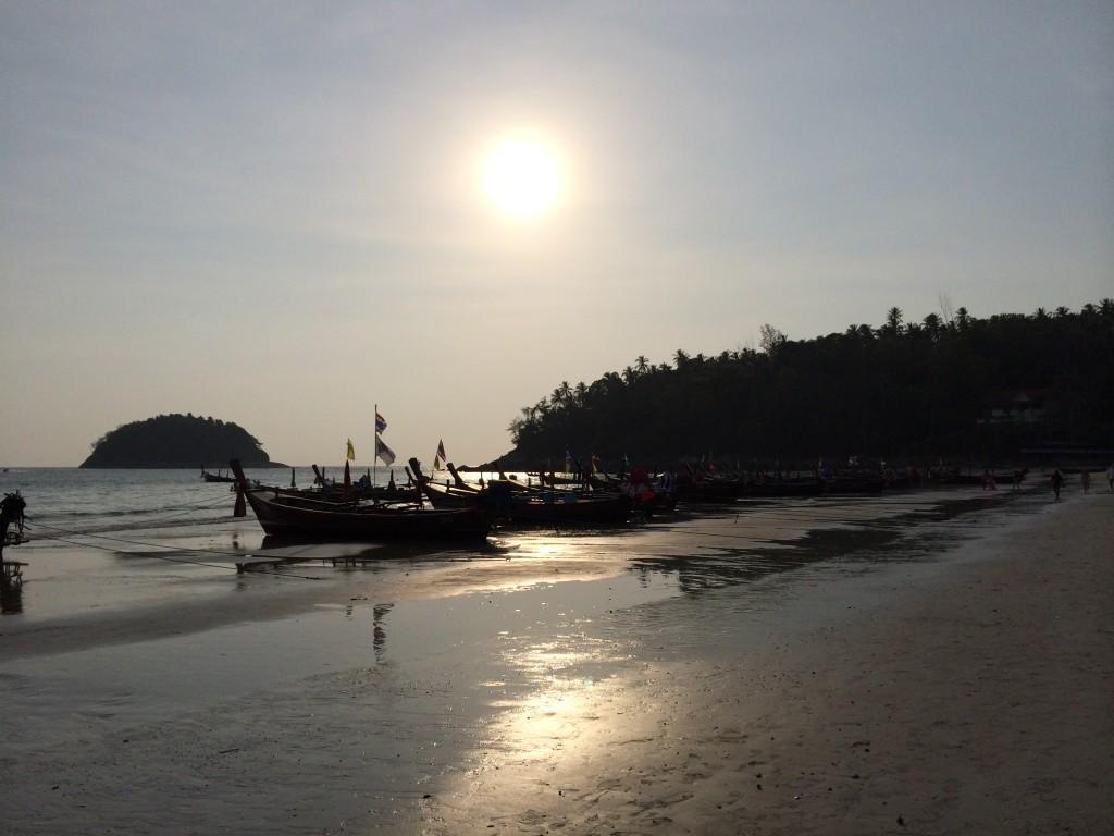 Sonnenuntergang am Kata Beach. Foto: Bianca Garloff
